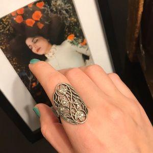 Jewelry - Vintage Silver Tone Floral Statement Ring